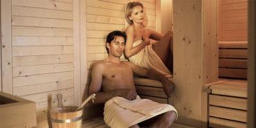 centro benessere con sauna finlandese, bagno turco e cabina infrarossi – al Christophs Hotel a Scena nei dintorni di Merano in Alto Adige